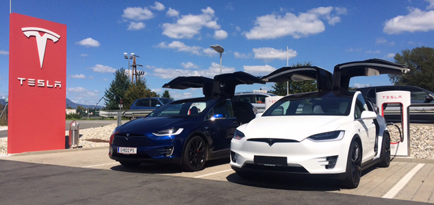 Blue-Tesla-Model-X-x300