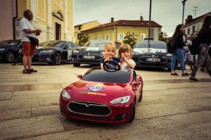 youngest-participant-in-mini-tesla